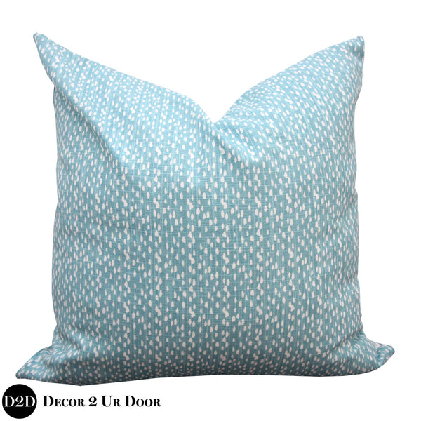 Blue Beach Dots Square Throw Pillow Cover