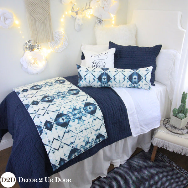 Solid Navy Quilt