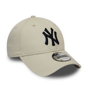 Casquette 9Forty beige broderie noire New York Yankees ajustable eighteen clothing