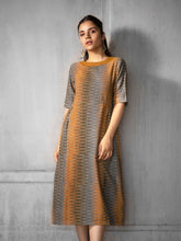 Load image into Gallery viewer, QURI | Long Dress - Creative Bee
