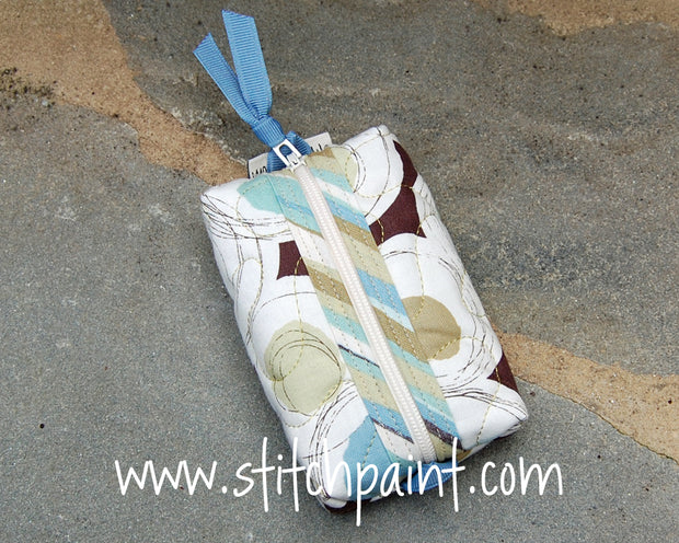 Zip Pocket Tissue Case | Breezy Fabric | Stitchpaint
