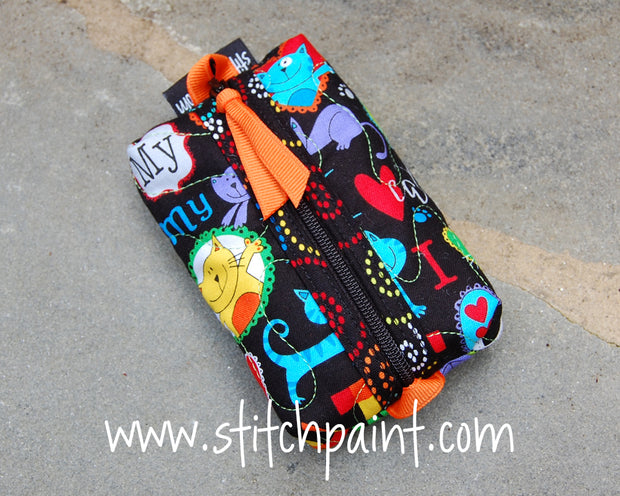 Zip Pocket Tissue Case | Cat Love Fabric | Stitchpaint