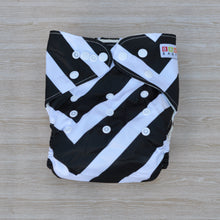 Load image into Gallery viewer, 100% Bamboo Cloth Nappy Black & White