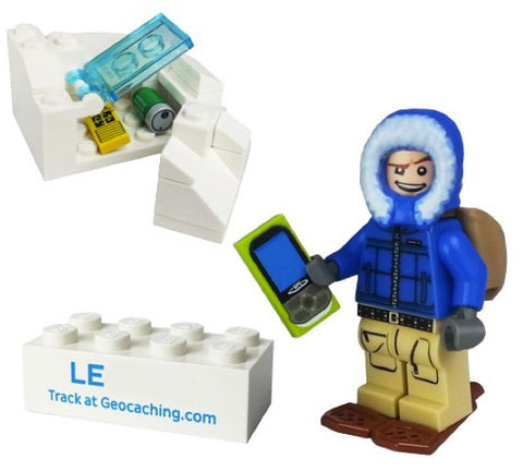 Lego Winter T5 Cache Hunter with Trackable Brick Set