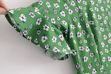 Load image into Gallery viewer, GREEN V-NECK DAISY PRINT DRESS