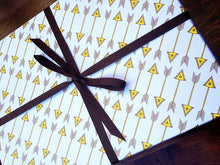 Arrow Pattern Gift Wrap