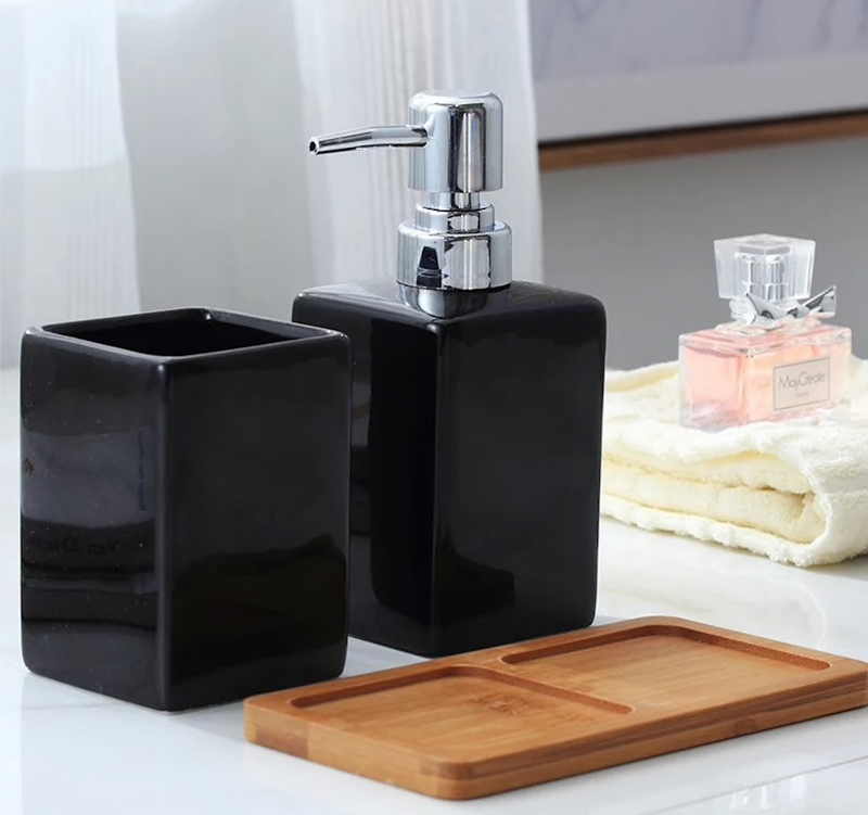 Minimalist Square 3 Piece Bath Set With Tray