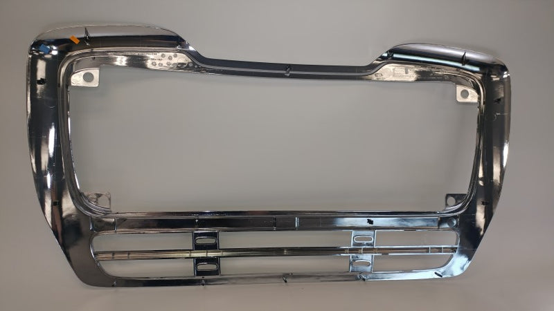 Freightliner M2 112 Chrome Plastic Grille Surround A17-15685-000, A17-15685-002 (3939746611286)