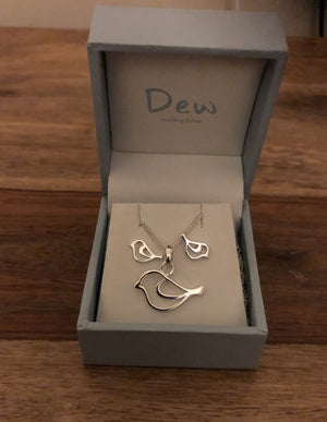 "Dew ""Home Tweet Home"" Bird Stud Earrings and Pendant Necklace Set"