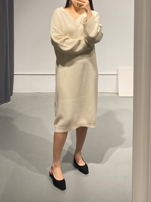 HYELIN V-neck Knit Dress