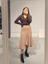 Load image into Gallery viewer, YUJI Asymmetric Midi Skirt