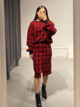 Load image into Gallery viewer, TAEMI Tartan Jumper