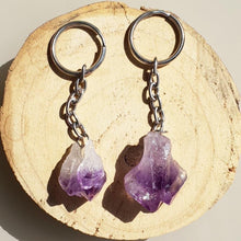 Load image into Gallery viewer, RAW AMETHYST KEYRINGS