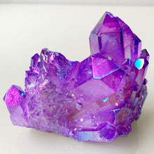 Load image into Gallery viewer, Lilac Rainbow Aura Quartz