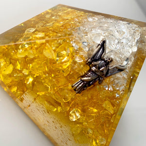 Orgonite Pyramid – Archangel Uriel Clear Quartz Citrine 7cm