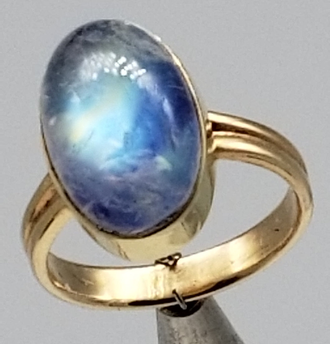 Rainbow moonstone ring 14K