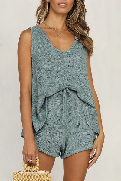WanaDress Deep V-neck Vest Tether Knitted Two-piece Pants
