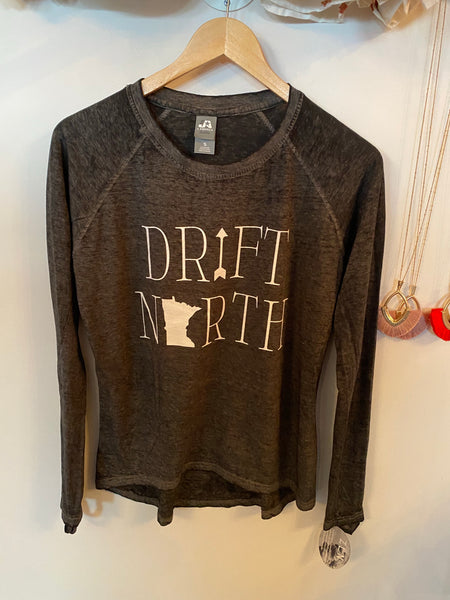 Drift North Hi-Low Long Sleeve Tee | Black
