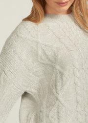 JAYLEN SOFT CABLE KNIT SWEATER, LIGHT GREY