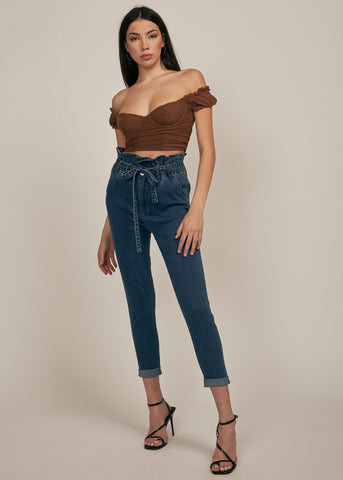 MOTEL OFF SHOULDER CROP TOP, COFFEE