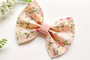 Floral Lace Pinch Bow
