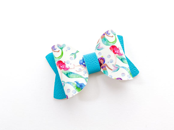 "Mermaids  ~  2.5"" Pigtail Bow"