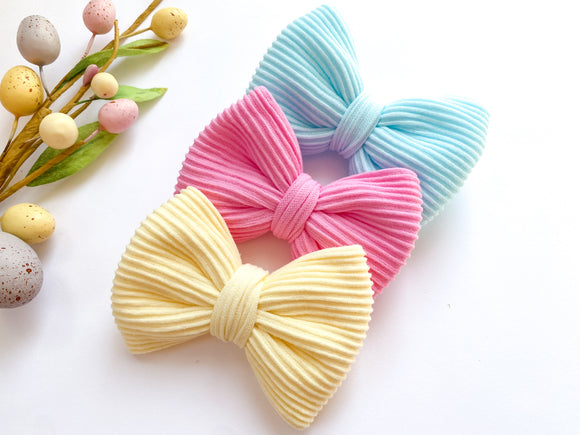 Ribbed Knit Bows