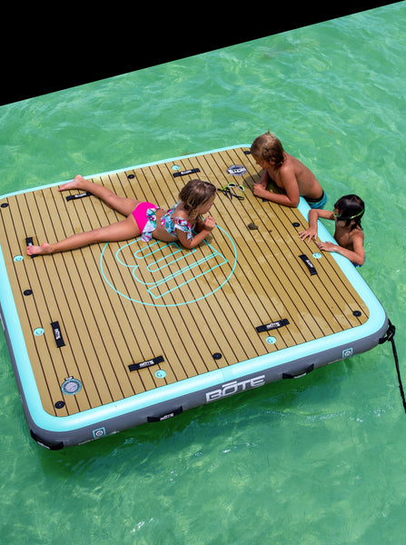 does your dock float?