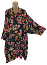 Load image into Gallery viewer, Black Aruba Oversized Tunic Size 22 to 32
