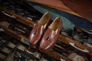 LOAFERS VS MOCCASINS - THE ULTIMATE GUIDE