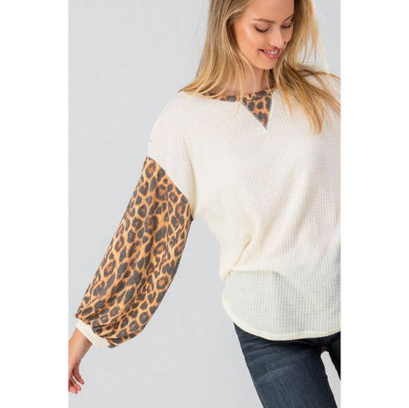 THERMAL ANIMAL PRINT BISHOP SLEEVE TOP