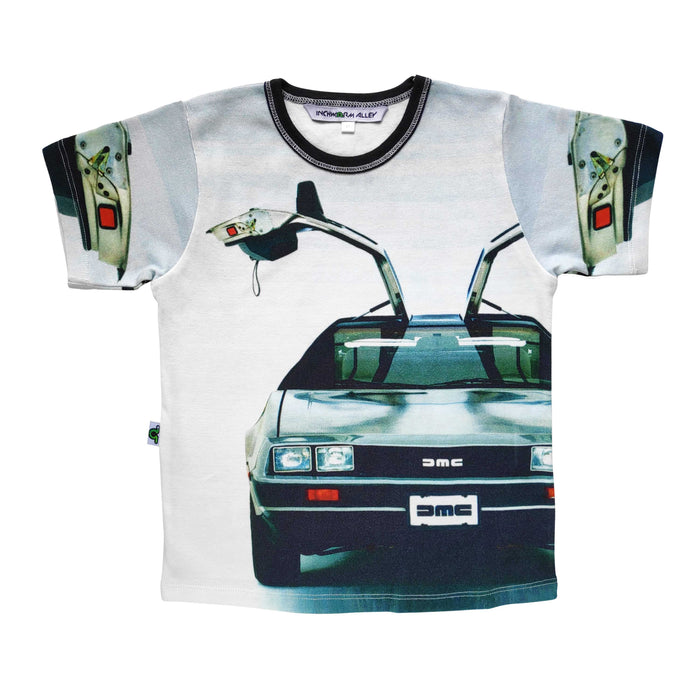Graphic tee with image of the front-end of a Delorean with the doors up