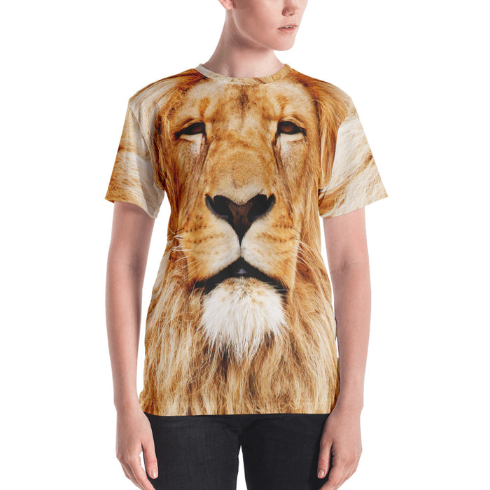 Woman wearing a tee with oversized print of a lion's face