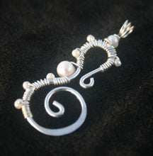 Load image into Gallery viewer, Sterling Silver Seahorse - Pearls