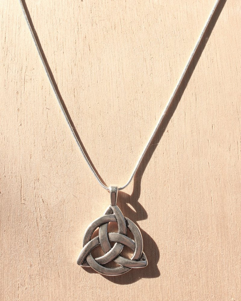 KV Handmade Jewellery Silver Triquetra Necklace Short