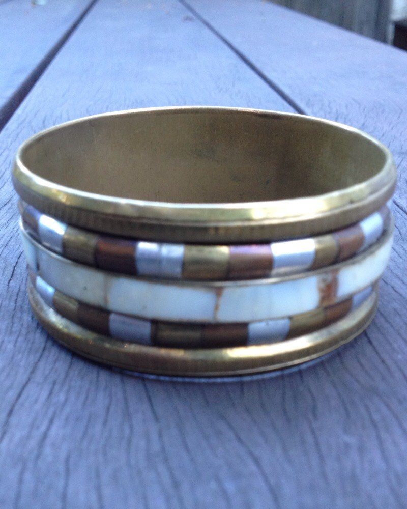 Vintage 70's Brass & Shell Bangle