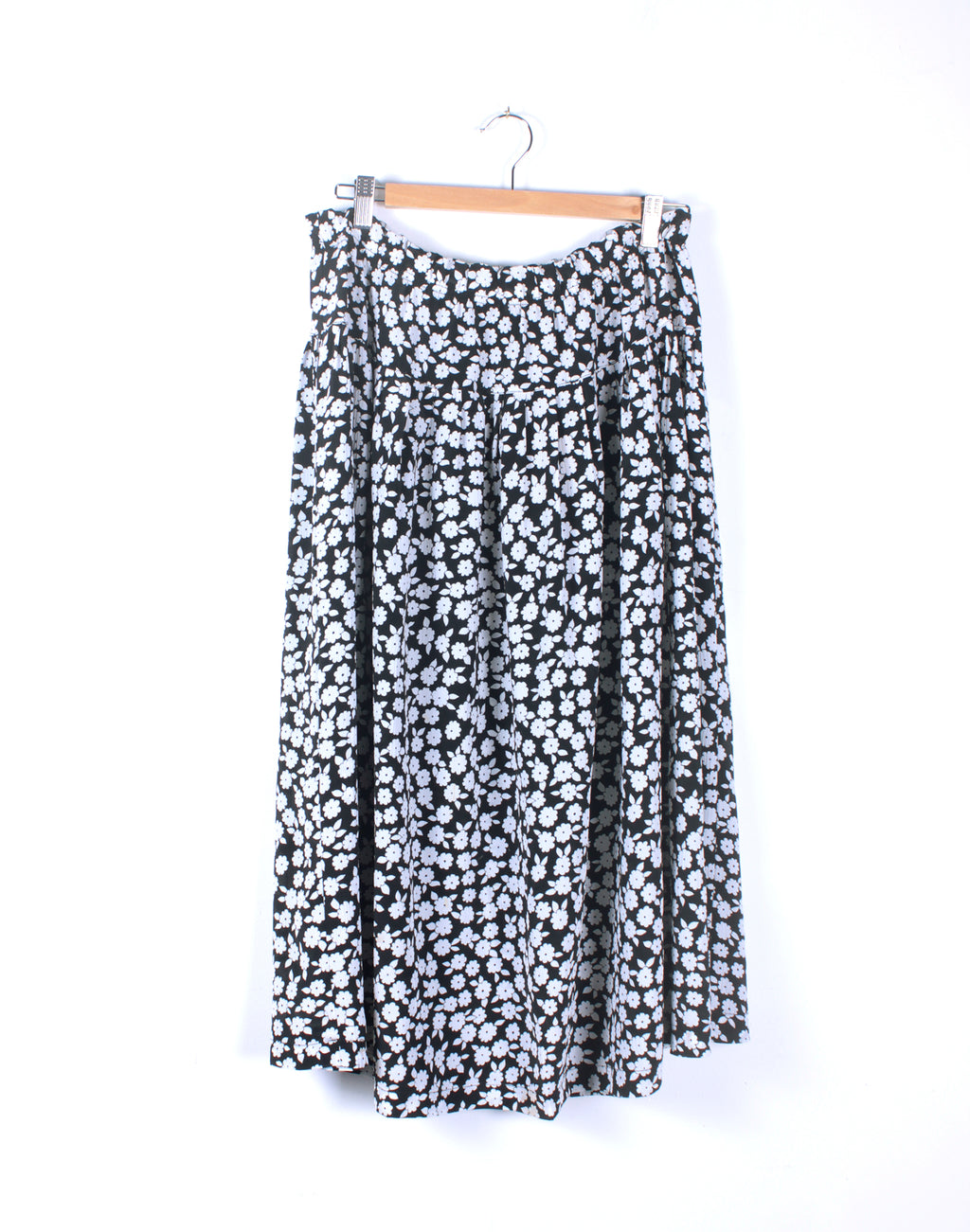 Vintage 80's Black & White Floral Skirt