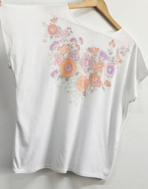 Vintage 90's Supre White Floral T-shirt Deadstock