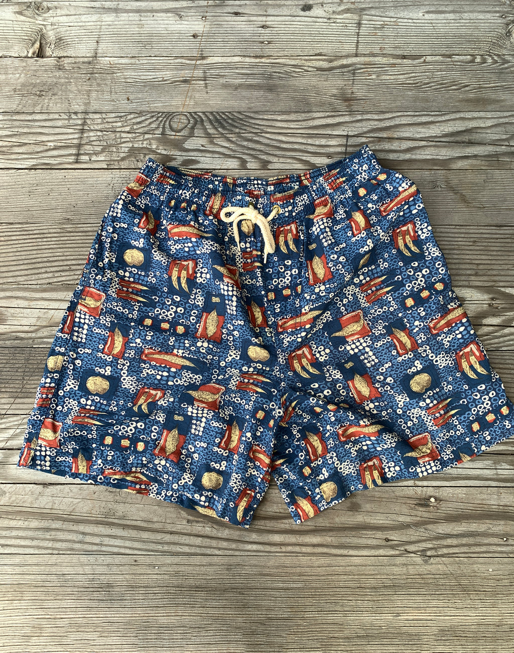 Vintage Country Road Red Blue Print Shorts