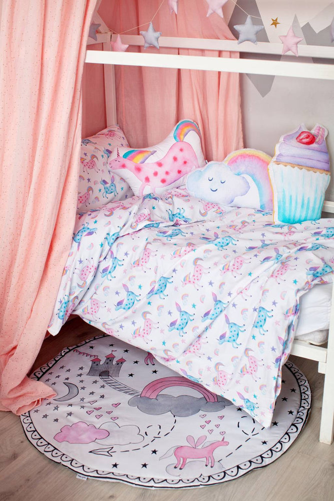 unicorn bedroom ideas with canopy, unicorn room decor, unicorn themed bedroom, kids room decor with canopy