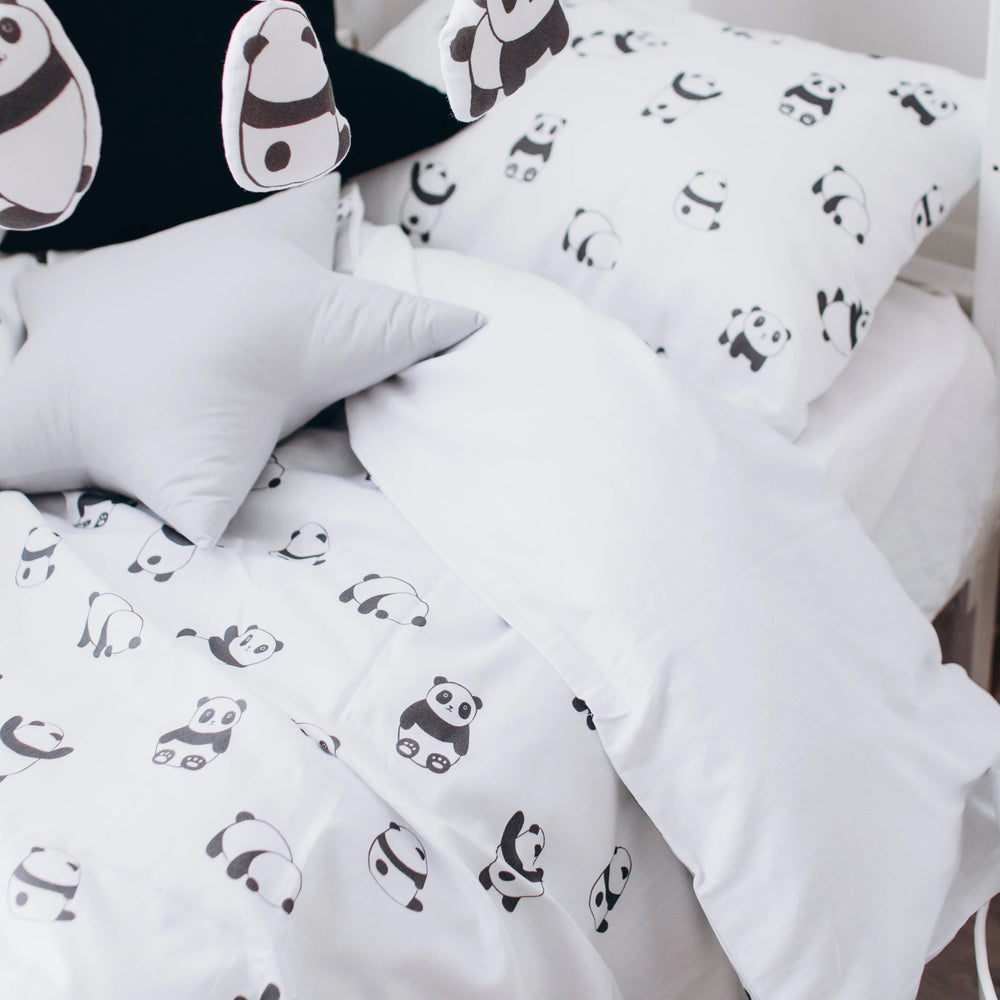 bedding for girls, bedding for boys, bedding with pandas, kids bedding with pandas, bed for boys, bed  for girls, bed set with pandas, bed set for boys, bed set for girls