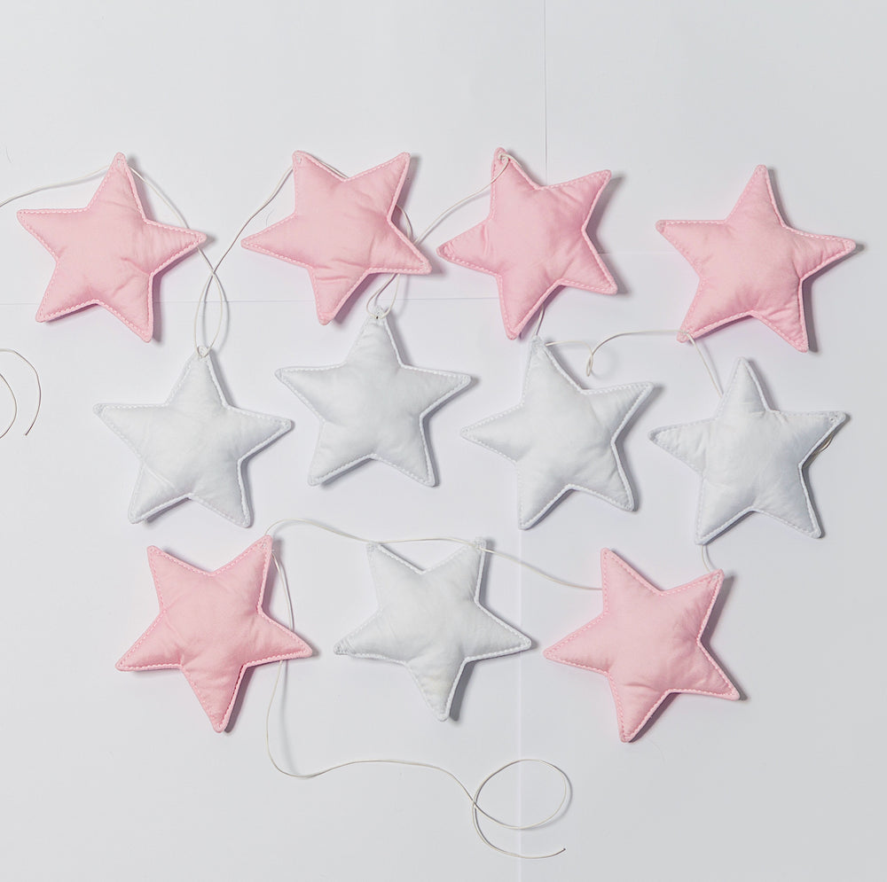 Star garland in white-pink colors