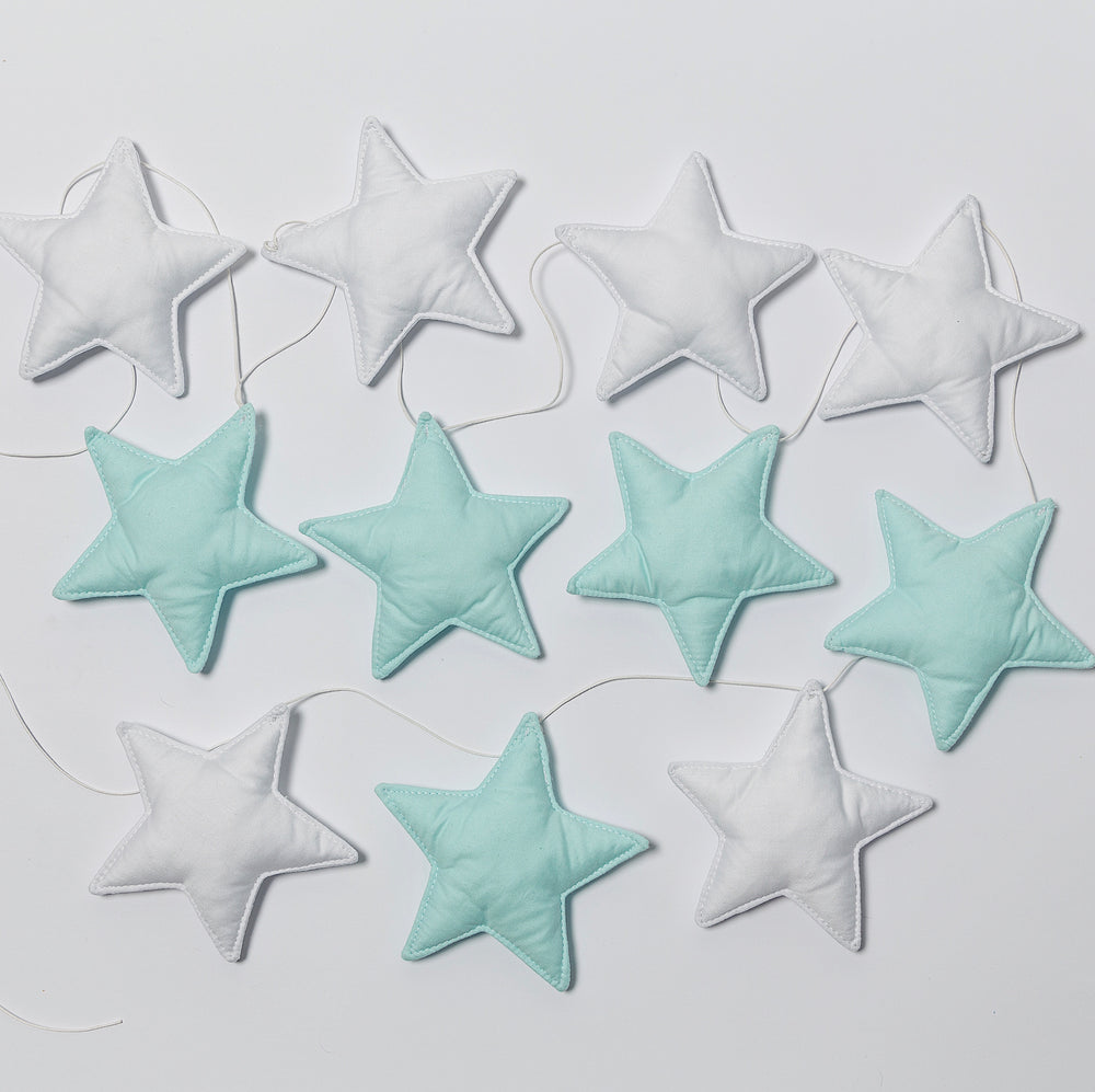 Star garland in white-turquoise colors