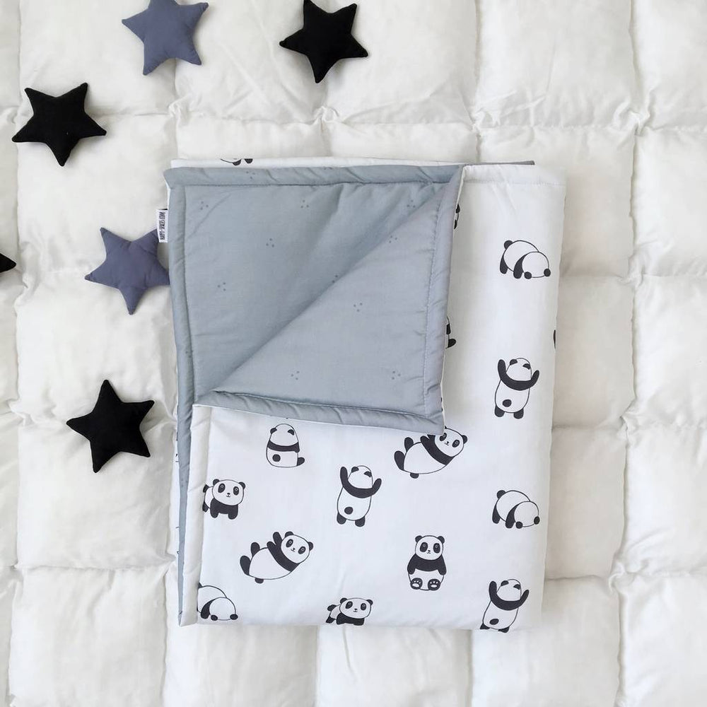 baby blankets with pandas, baby blankets for boys, baby blankets for girls, black and white blanket