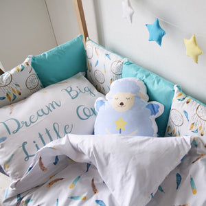 sheep bedroom decor, boys room with blue pillows