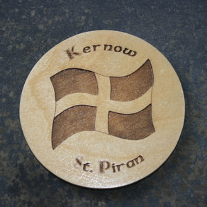 Wooden coaster with a Kernow St. Piran's flag design