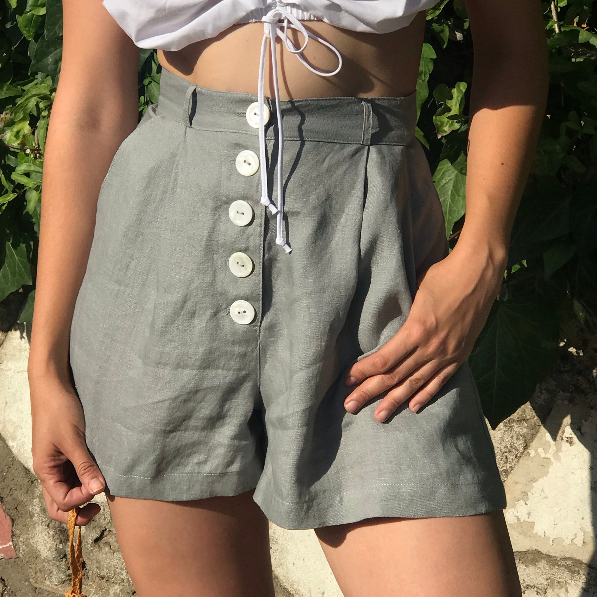 Sissy Pleated Shorts in Stone Linen