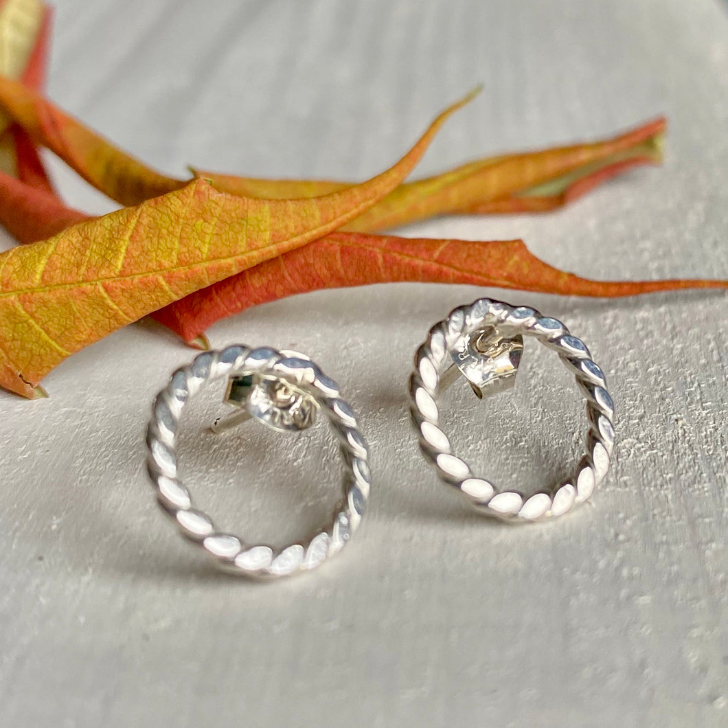 Twisted silver circle stud earrings