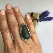 Load image into Gallery viewer, Beach stone sterling silver ring - size 6