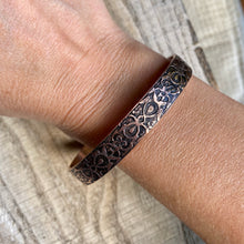 Load image into Gallery viewer, Inspiration cuff - Art Nouveau - etched copper bracelet